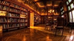 biblioteka-knigi-stol-kreslo